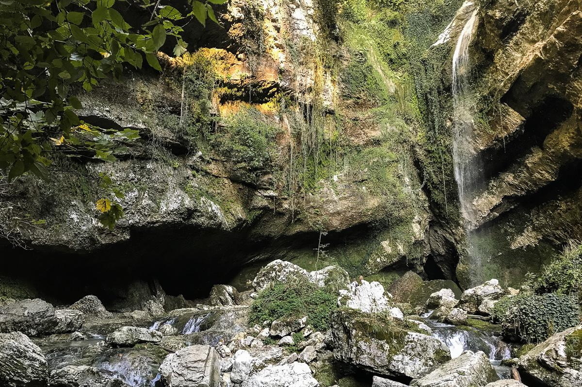 Водопад Пасть Дракона Глубокий Яр
