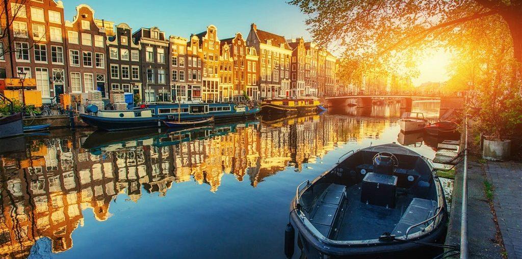 Прогулка по каналам Амстердама Экскурсии на кораблике