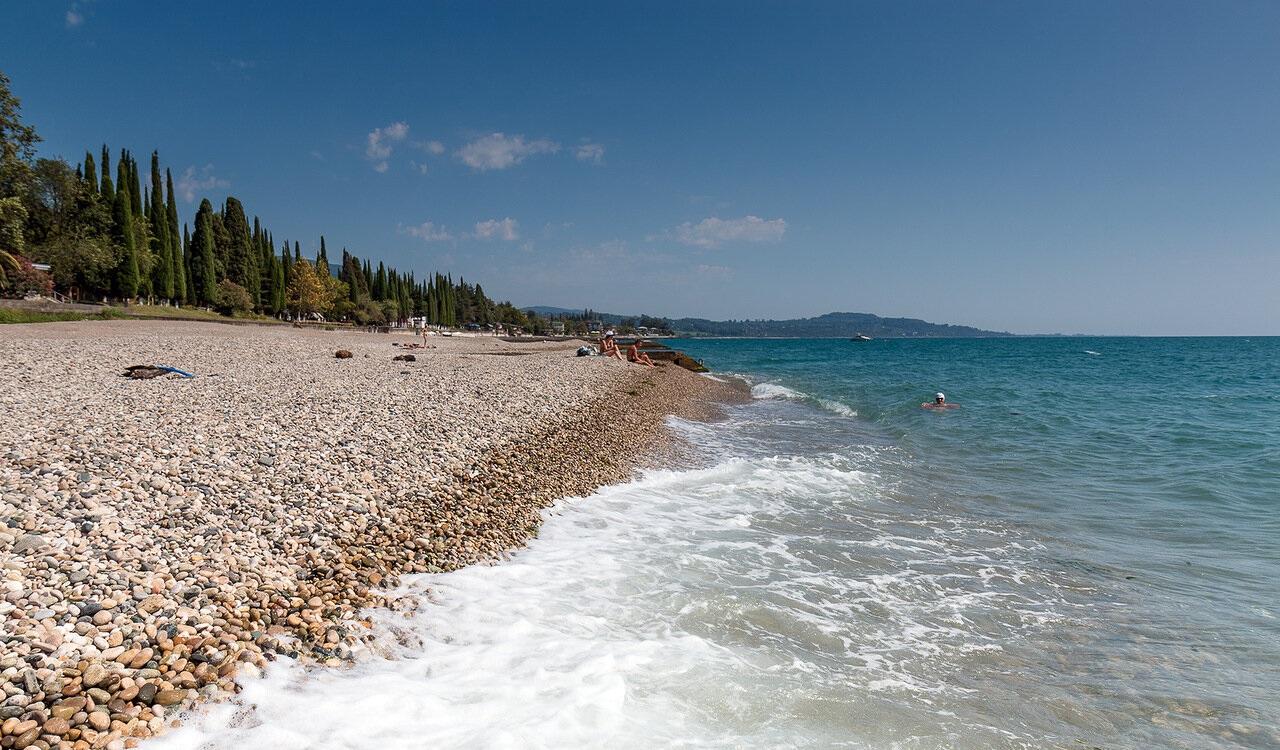 Достопримечательности Нового Афона Пляж в Новом Афоне