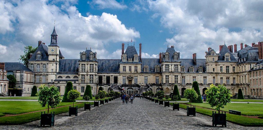 Экскурсии в Фонтенбло из Парижа на русском языке