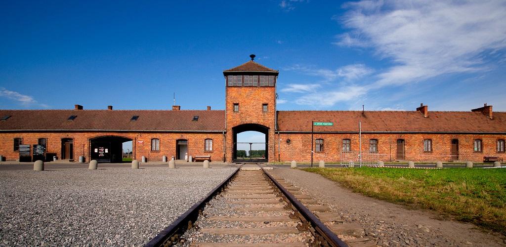 Экскурсии в Освенцим из Кракова