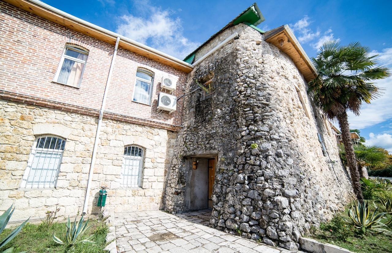 Генуэзская или Псырцхинская башня