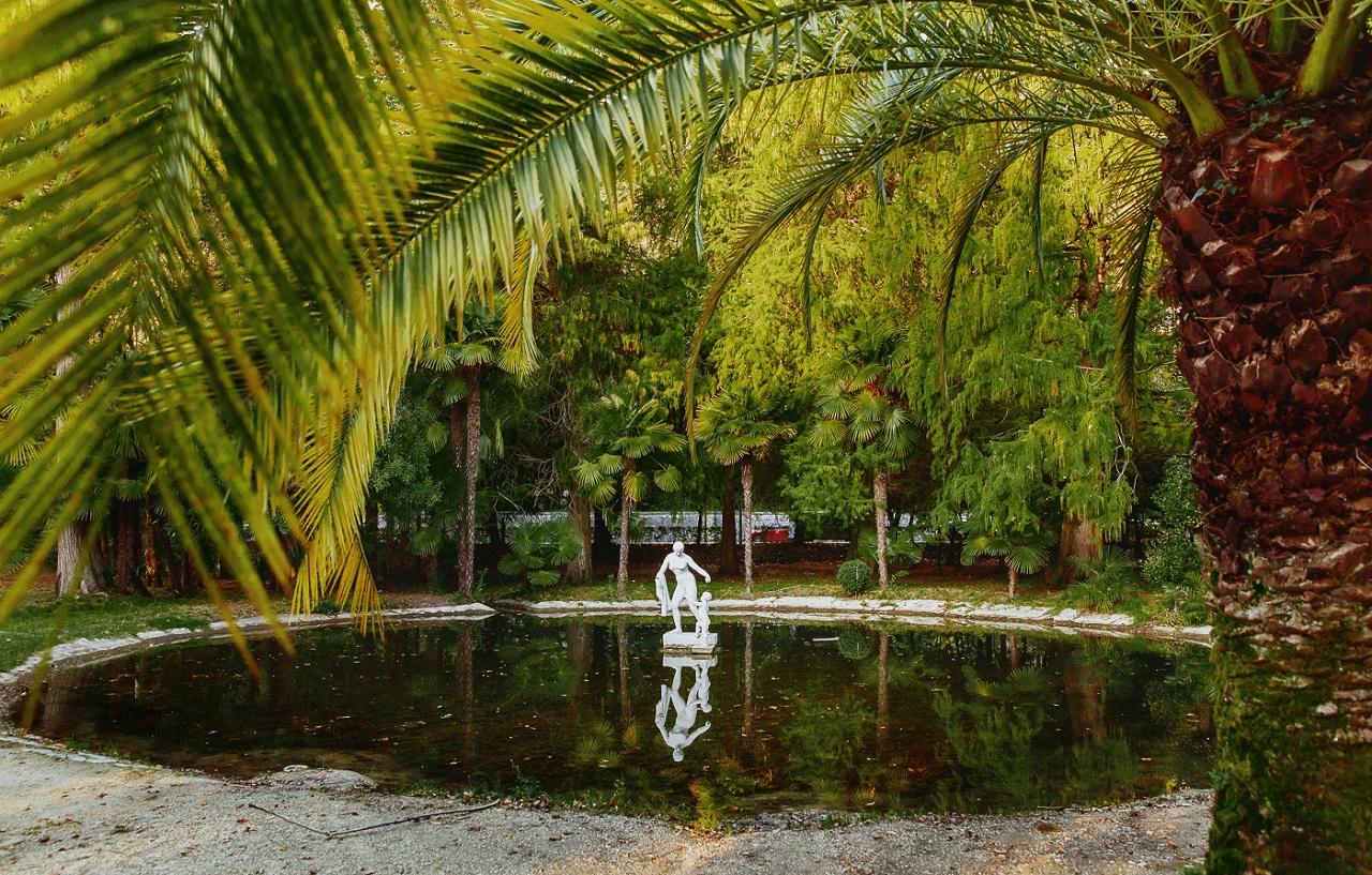 достопримечательности абхазии - Приморский парк в Гаграх
