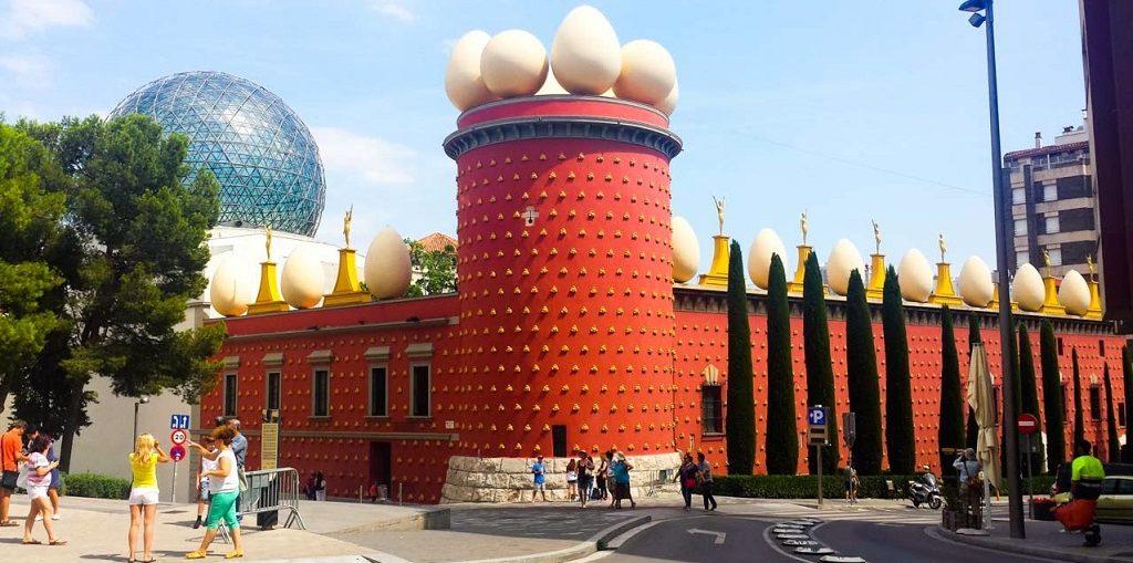 Экскурсии в музей Сальвадора Дали в Фигерасе из Барселоны