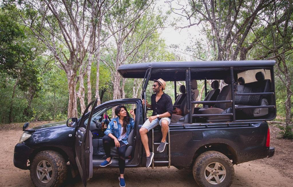 Контакты хорошего водителя на Шри-Ланке со своей машиной