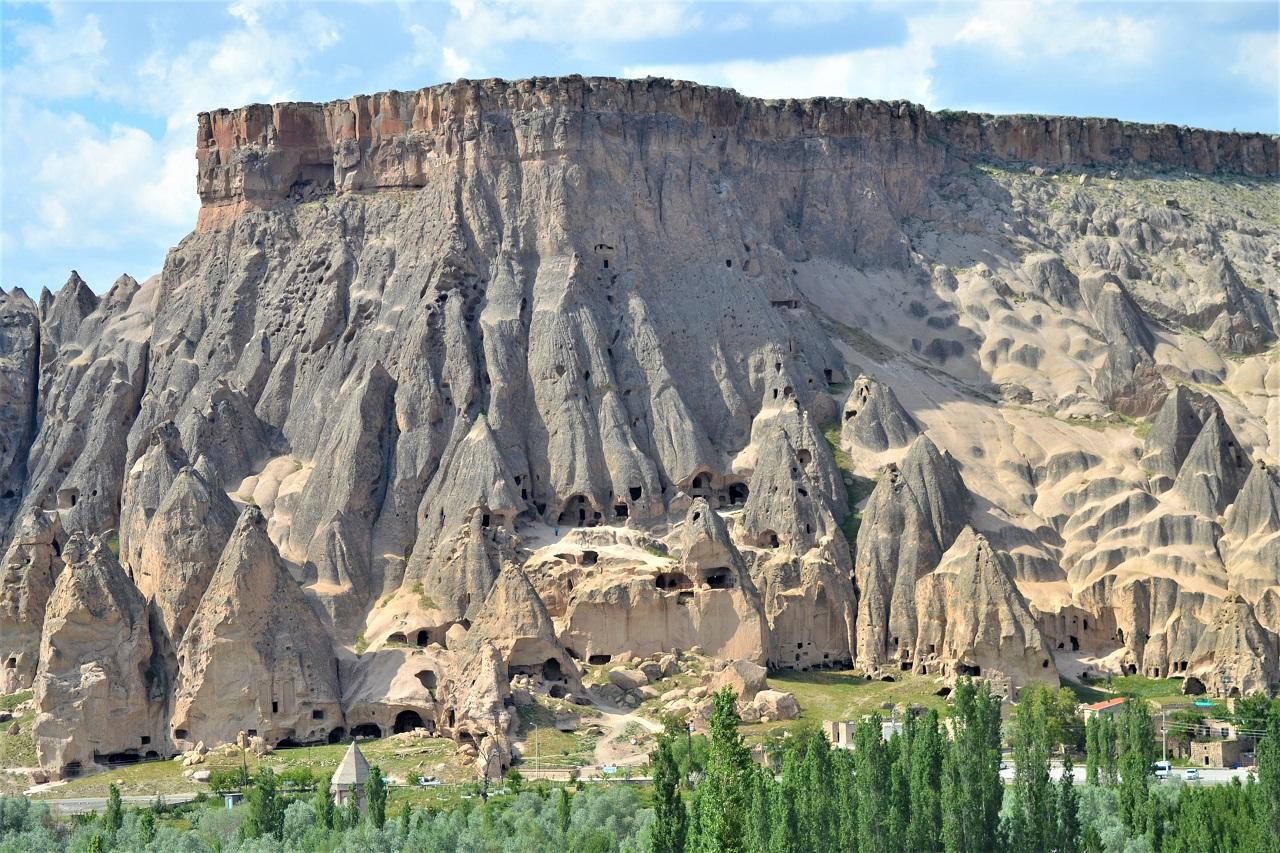 зеленый тур по каппадокии - Долина Ихлара и каньон вдоль реки Мелендиз