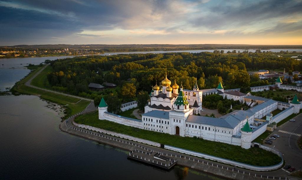 Экскурсии по Костроме с посещением Ипатьевского монастыря