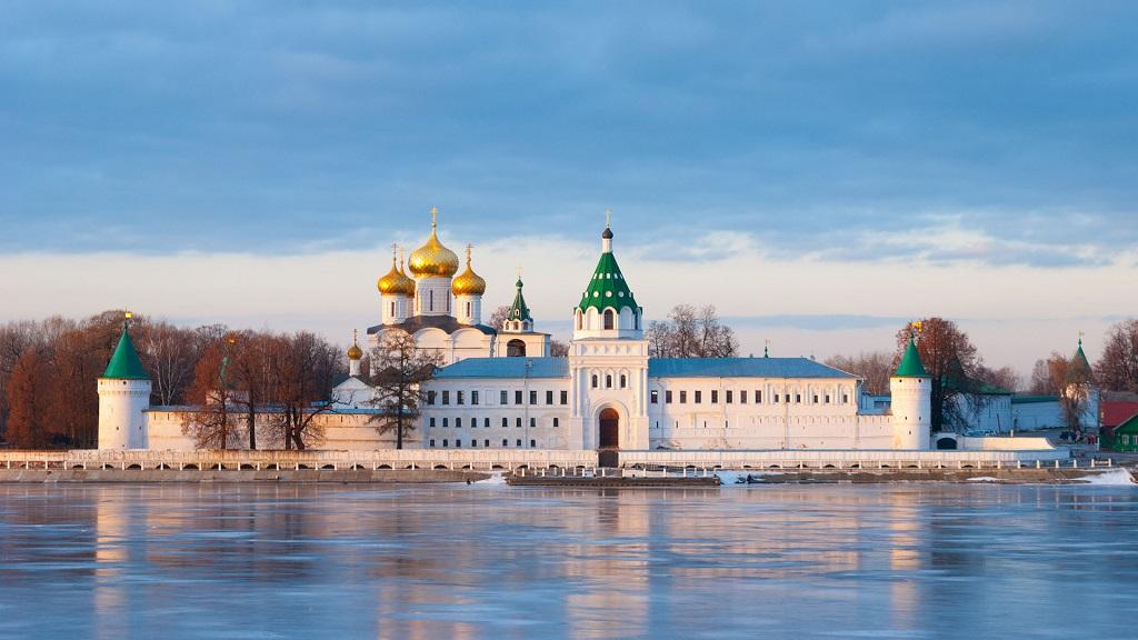 Обзорные экскурсии по городу Костроме