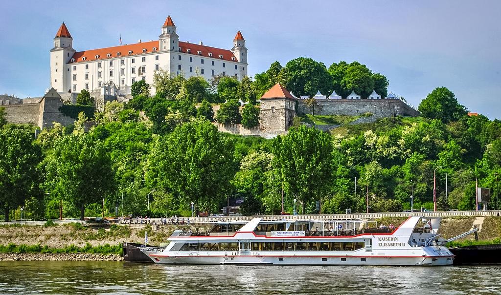 Экскурсии из Вены по Европе на один день