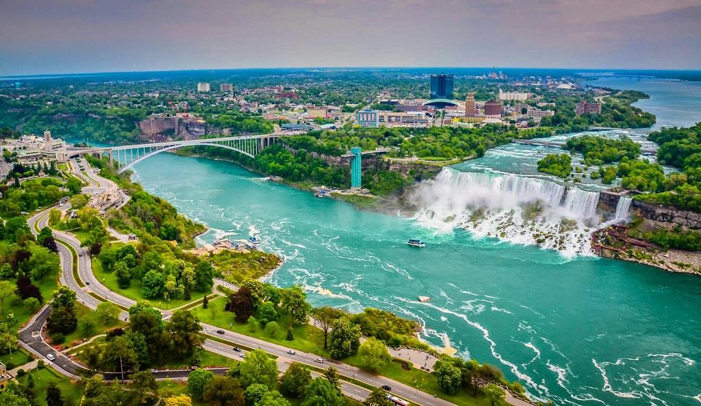 Экскурсия на Ниагарский водопад из Торонто на русском языке