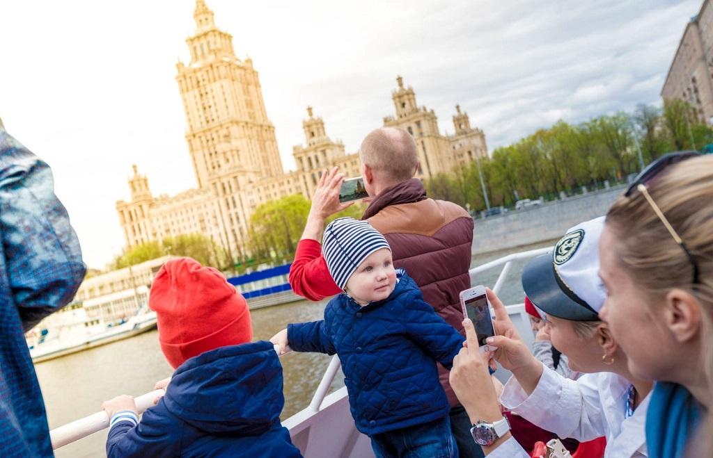 Экскурсия по Москве-реке для детей