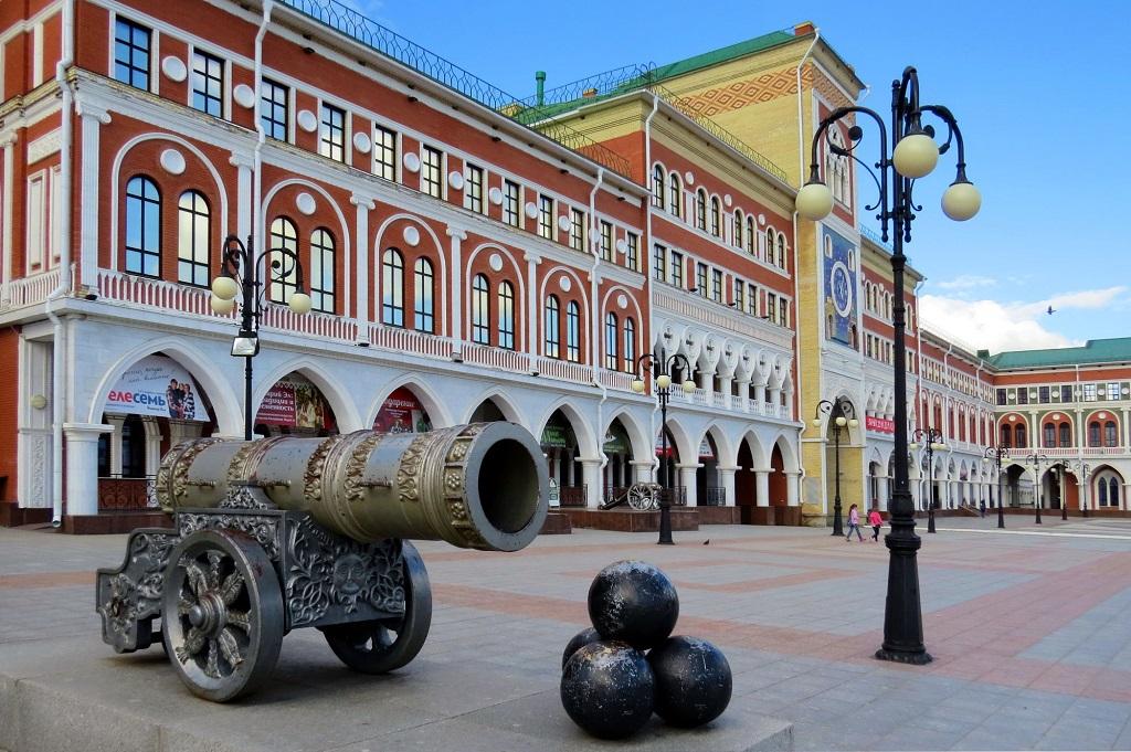 Царь-пушка на площади Оболенского-Ноготкова