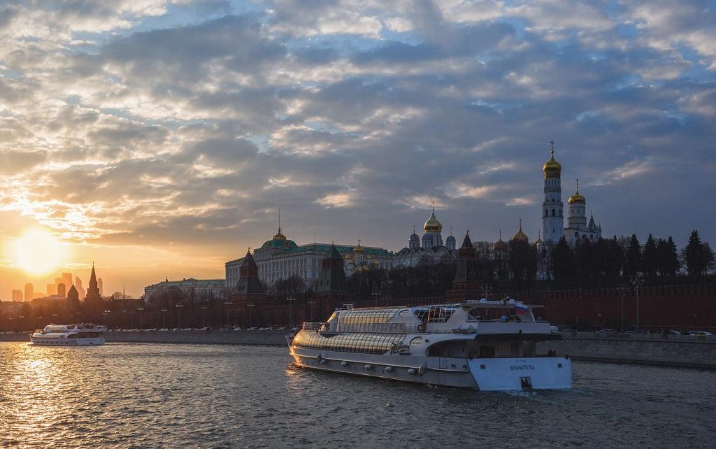 Вечерняя и ночная экскурсия по Москве-реке