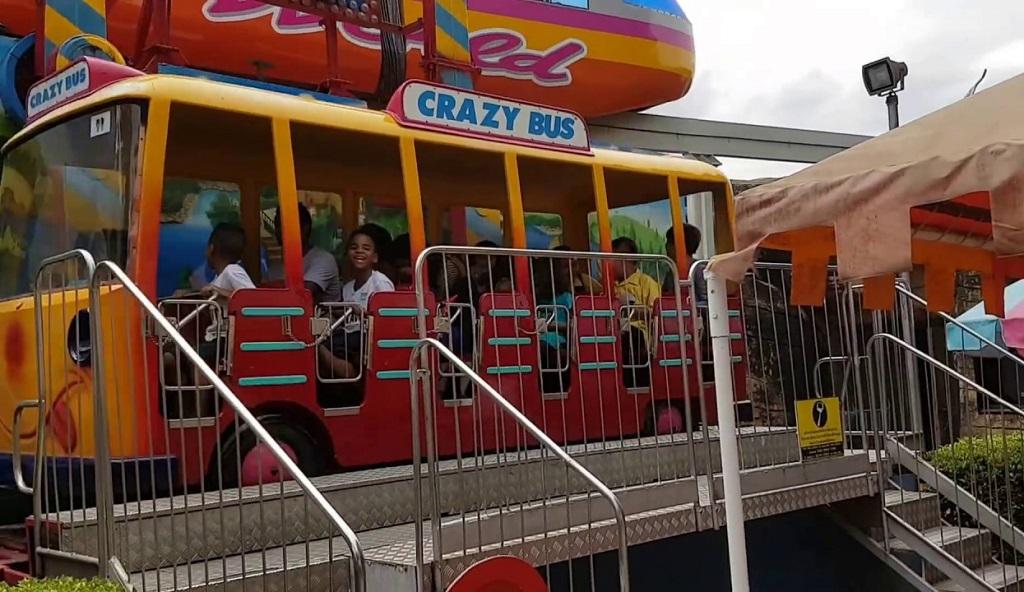 Дрим Ворлд Парк в Бангкоке crazy bus