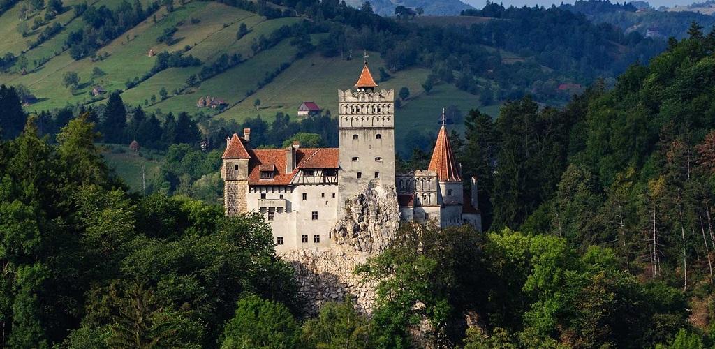 Экскурсии в замок графа Дракулы