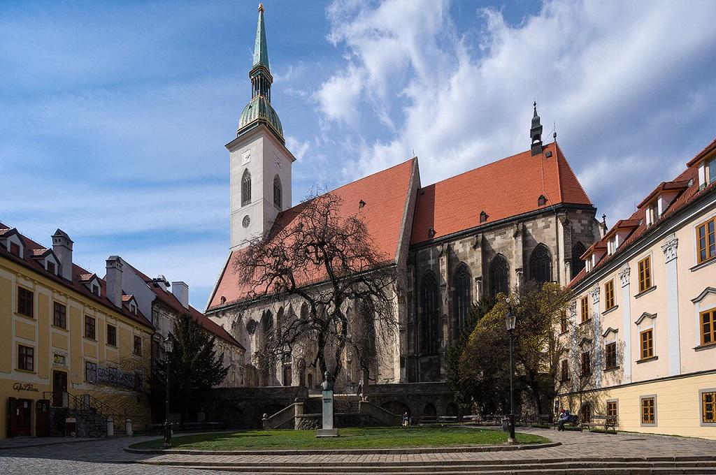 экскурсия будапешт братислава Собор святого Мартина