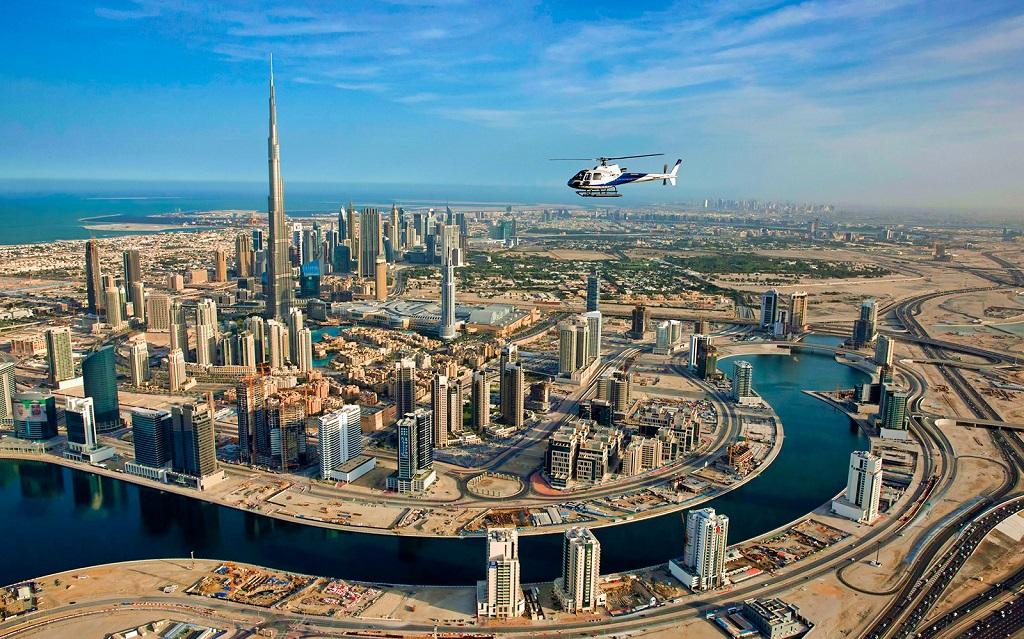 Бурдж-Халифа на фото с вертолета в Дубае