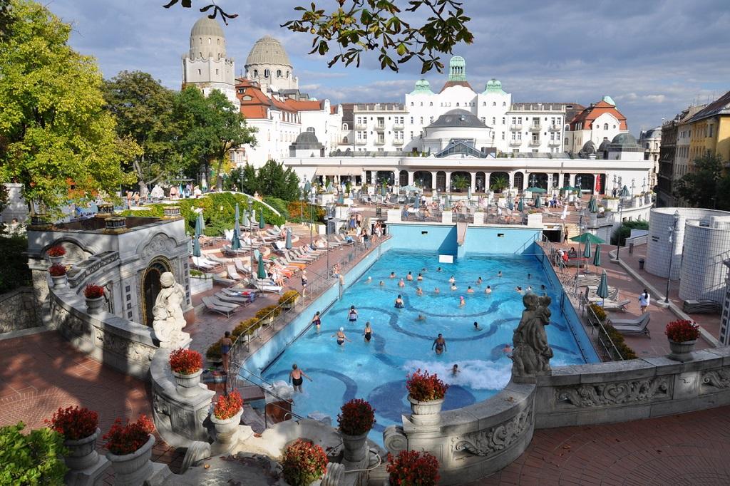 Достопримечательности Будапешта - Купальня Геллерт