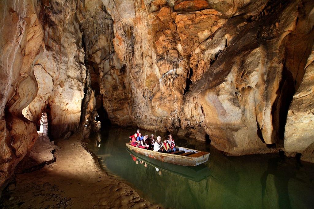 Достопримечательности Будапешта - Пещеры Палвелди