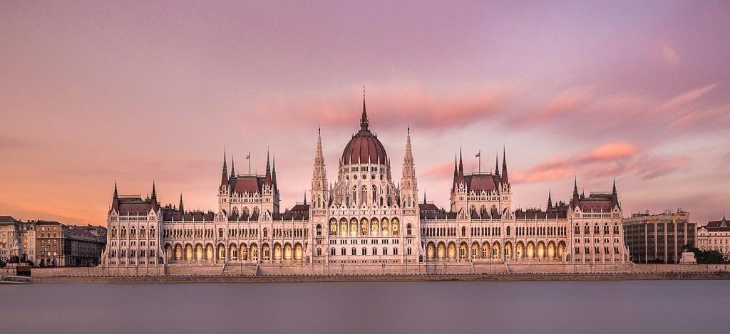 Достопримечательности Будапешта на русском языке - здание Венгерского парламента