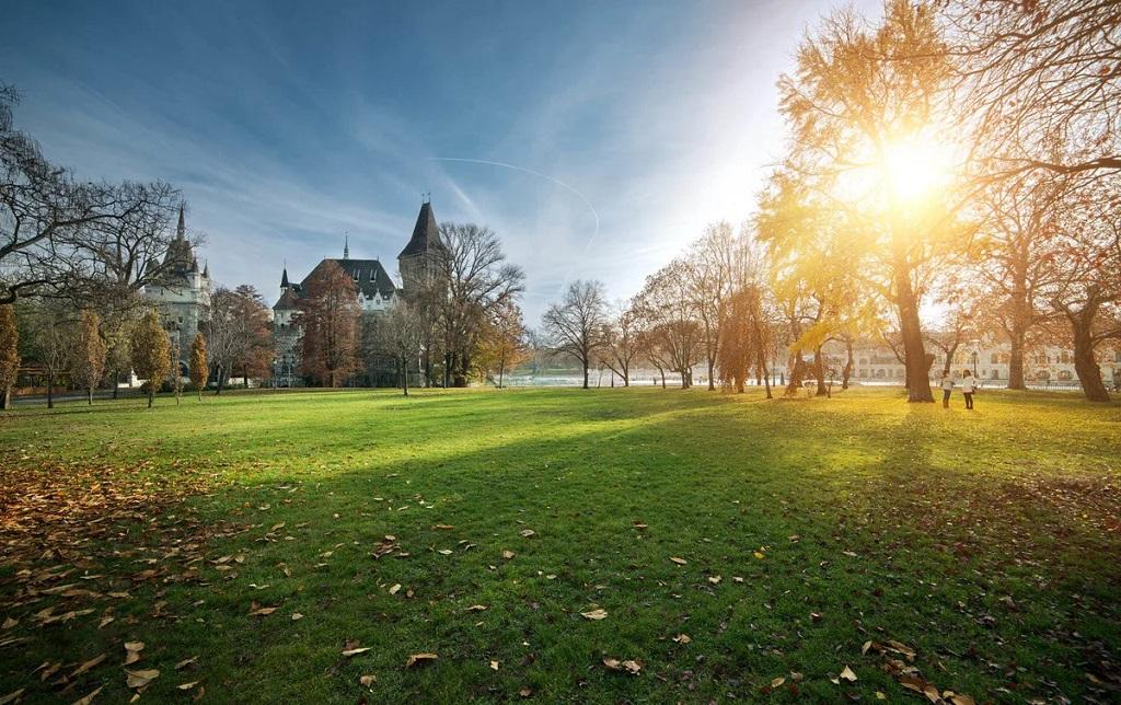 Достопримечательности Будапешта - парк Варошлигет