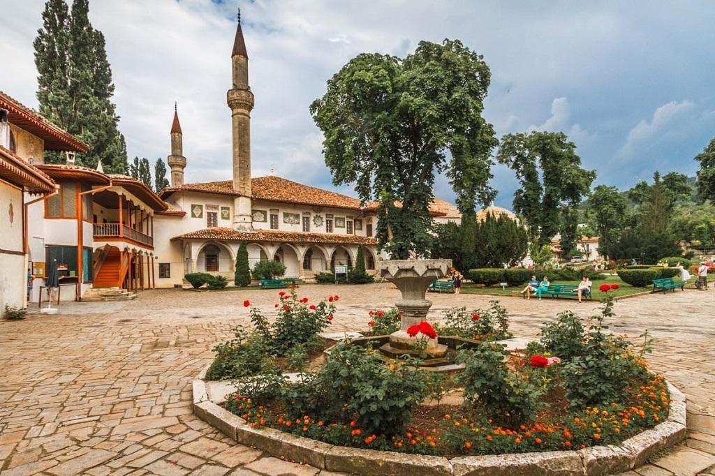 Экскурсии из Анапы в Бахчисарай, Севастополь и Ялту