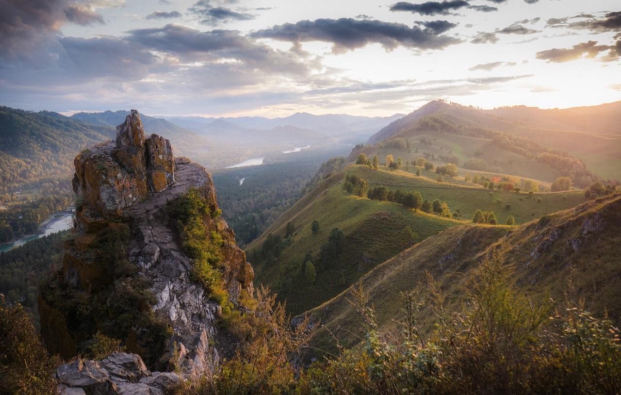 достопримечательности алтая Гора Чертов палец