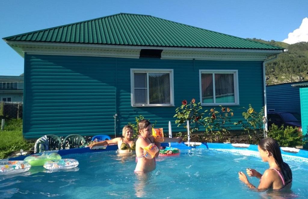 лучшие базы чемала с бассейном - Усадьба Зеленый дом