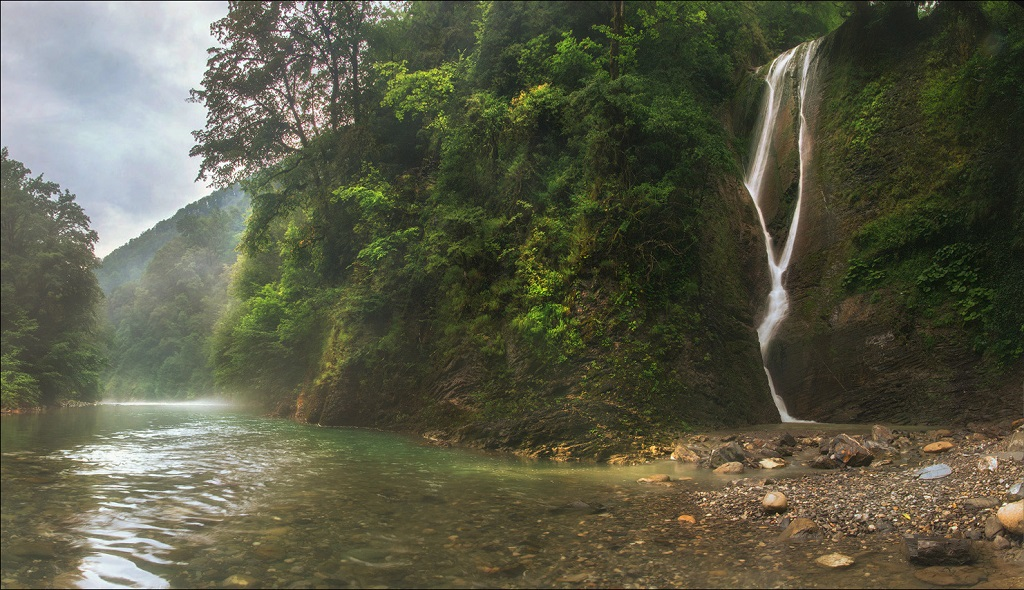 Природные достопримечательности Сочи - Ореховский водопад