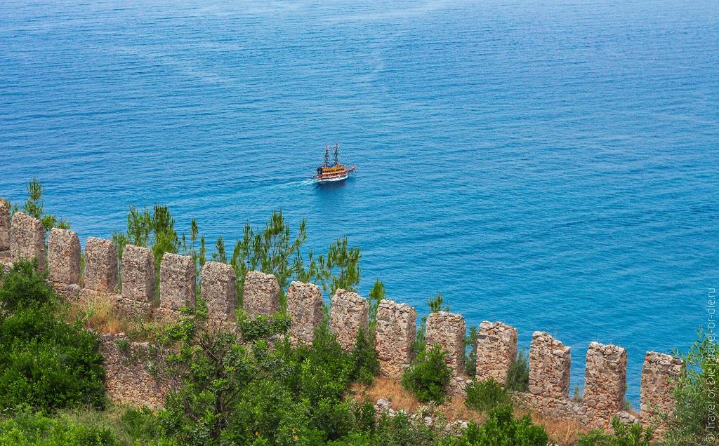 турецкая крепость в алании пиратский корабль