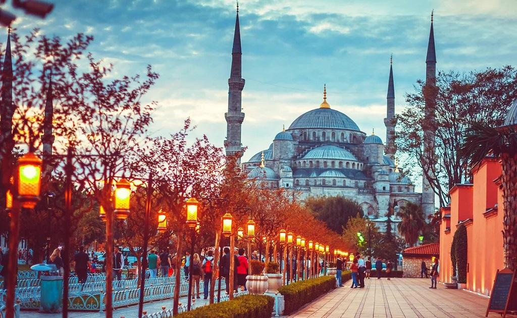 Экскурсия из Кушадасы в Стамбул