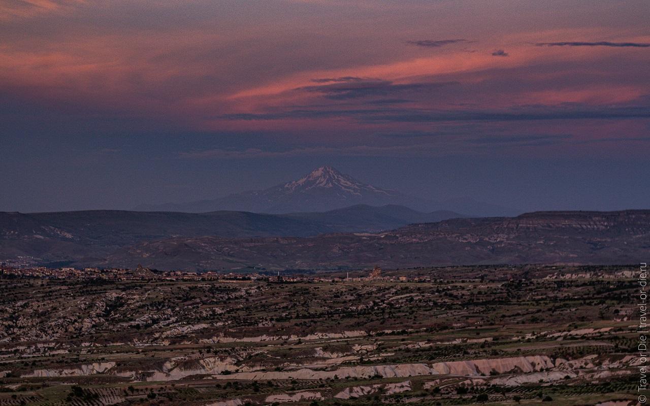 достопримечательности каппадокии - Вулкан Эрджияс и озеро Туз