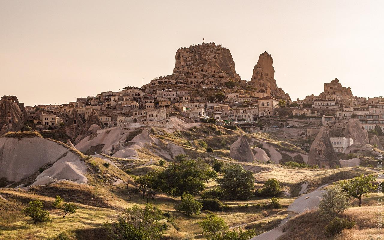 достопримечательности каппадокии - крепость учхисар