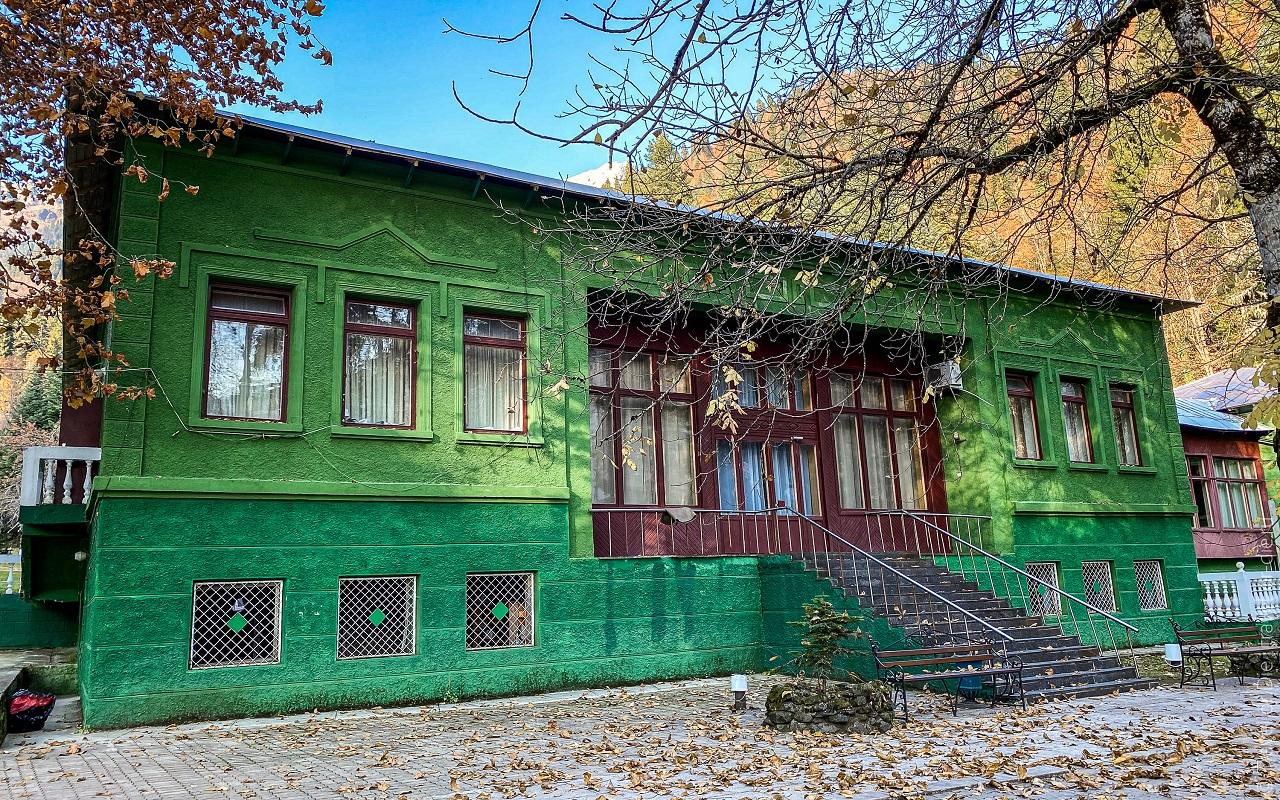 Дачи Сталина в Абхазии сколько и где, фото