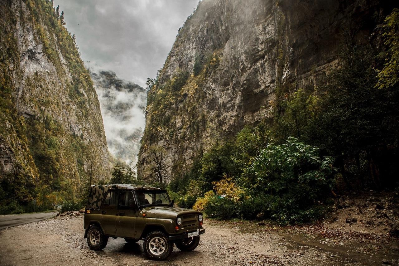 Джиппинг в Адлере Джип-туры из Адлера в Абхазию