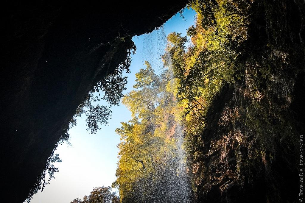 Природные достопримечательности Адлера и окрестностей - водопад пасть дракона