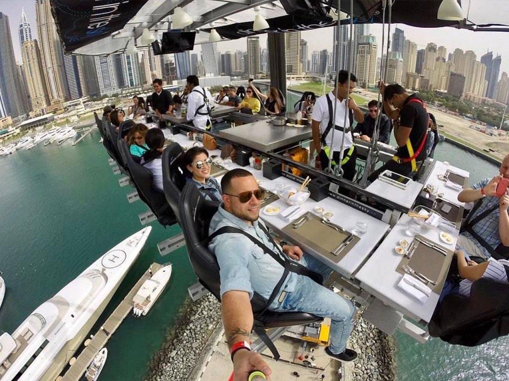 Ужин на высоте (ужин в небе) в Дубае