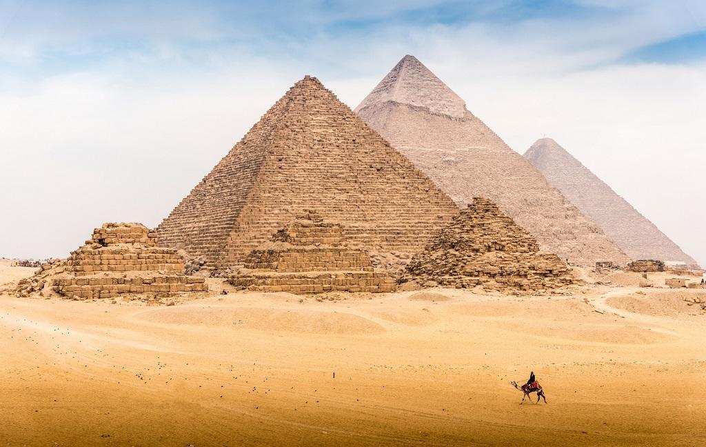 Автобусные экскурсии на пирамиды из Шарм-эль-Шейха