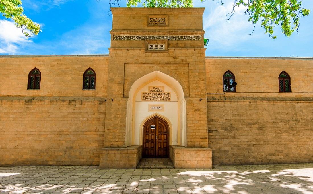 Что вы увидите во время экскурсии из Махачкалы в Дербент - Джума-мечеть