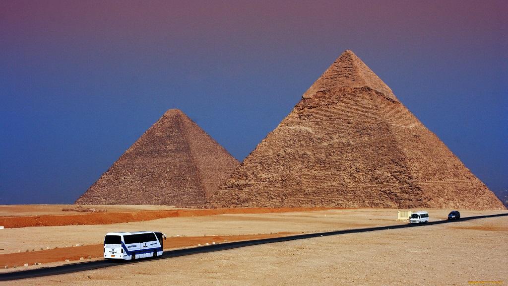 Экскурсии на пирамиды из Хургады на автобусе (1 и 2 дня)