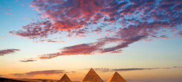 Экскурсии на пирамиды из Хургады на автобусе и самолёте