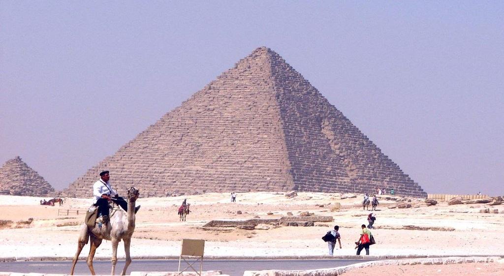 Экскурсии на пирамиды из Шарм-эль-Шейха - Пирамида Микерина