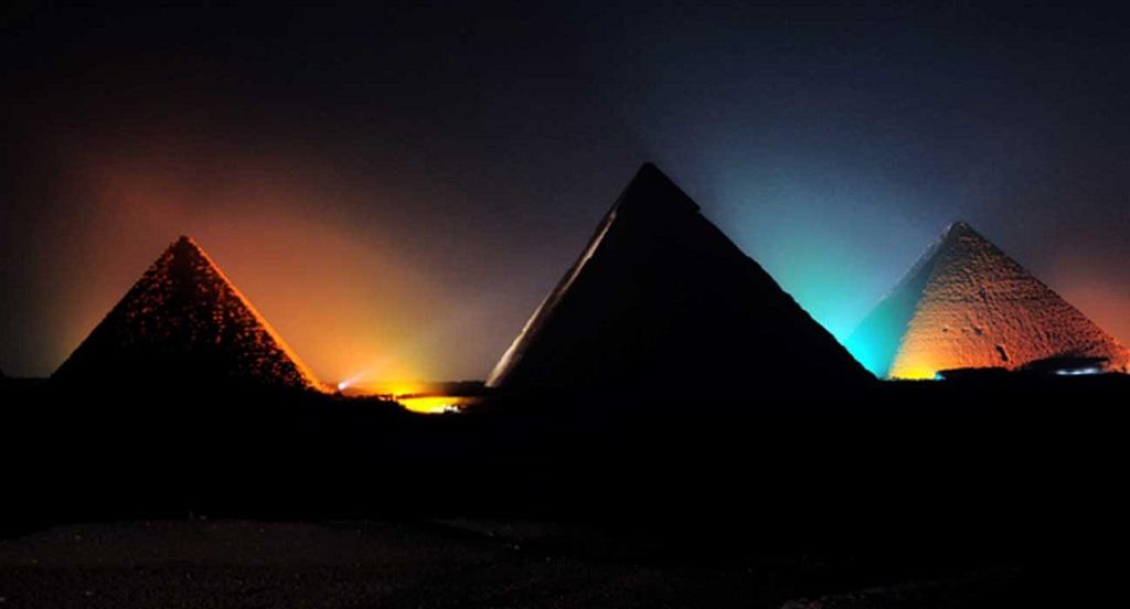 Экскурсия Шоу и Свет на пирамидах в Гизе
