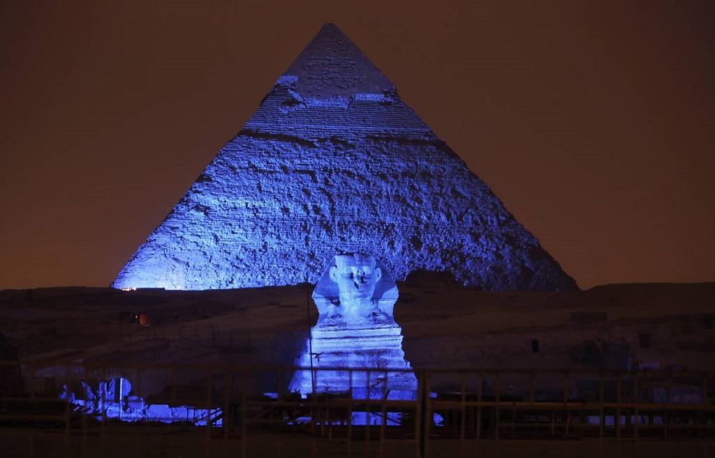 Световое шоу на пирамидах + вечерняя экскурсия по Каиру с ужином