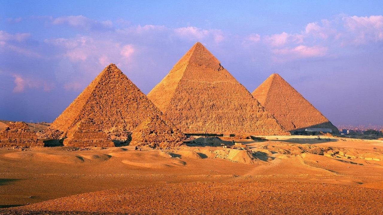достопримечательности рядом с каиром - Комплекс пирамид в Гизе
