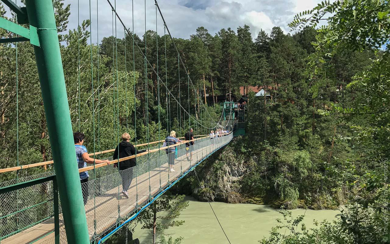 достопримечательности чемала - Подвесной мост на остров Патмос