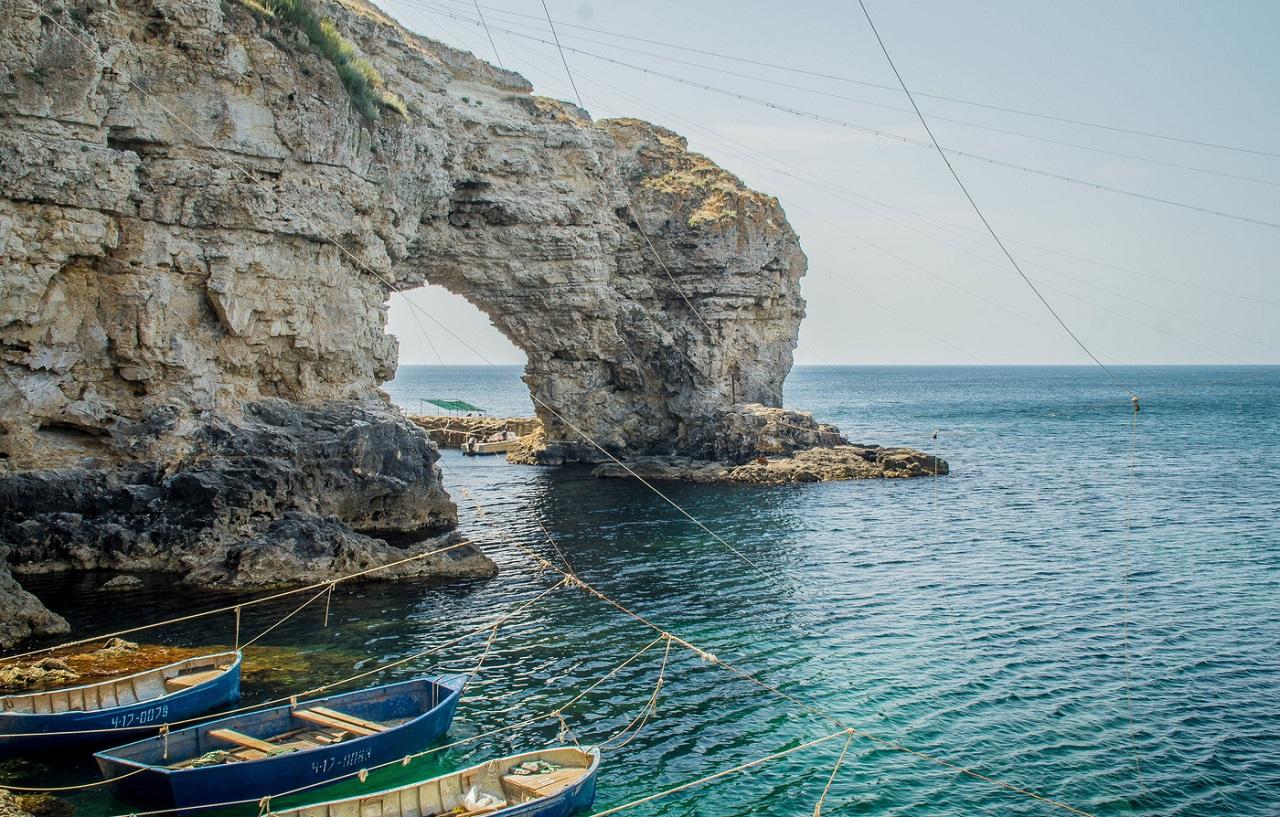 Морские экскурсии на Тарханкут на катере из Евпатории