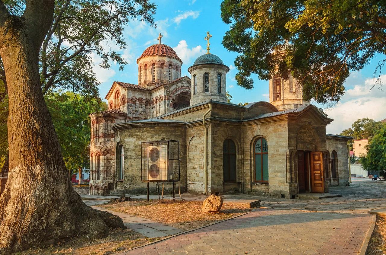 что вы увидите во время экскурсии на Крымский мост - Храм Иоанна Предтечи