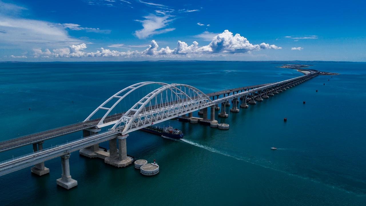 что вы увидите во время экскурсии на Крымский мост - Крымский мост
