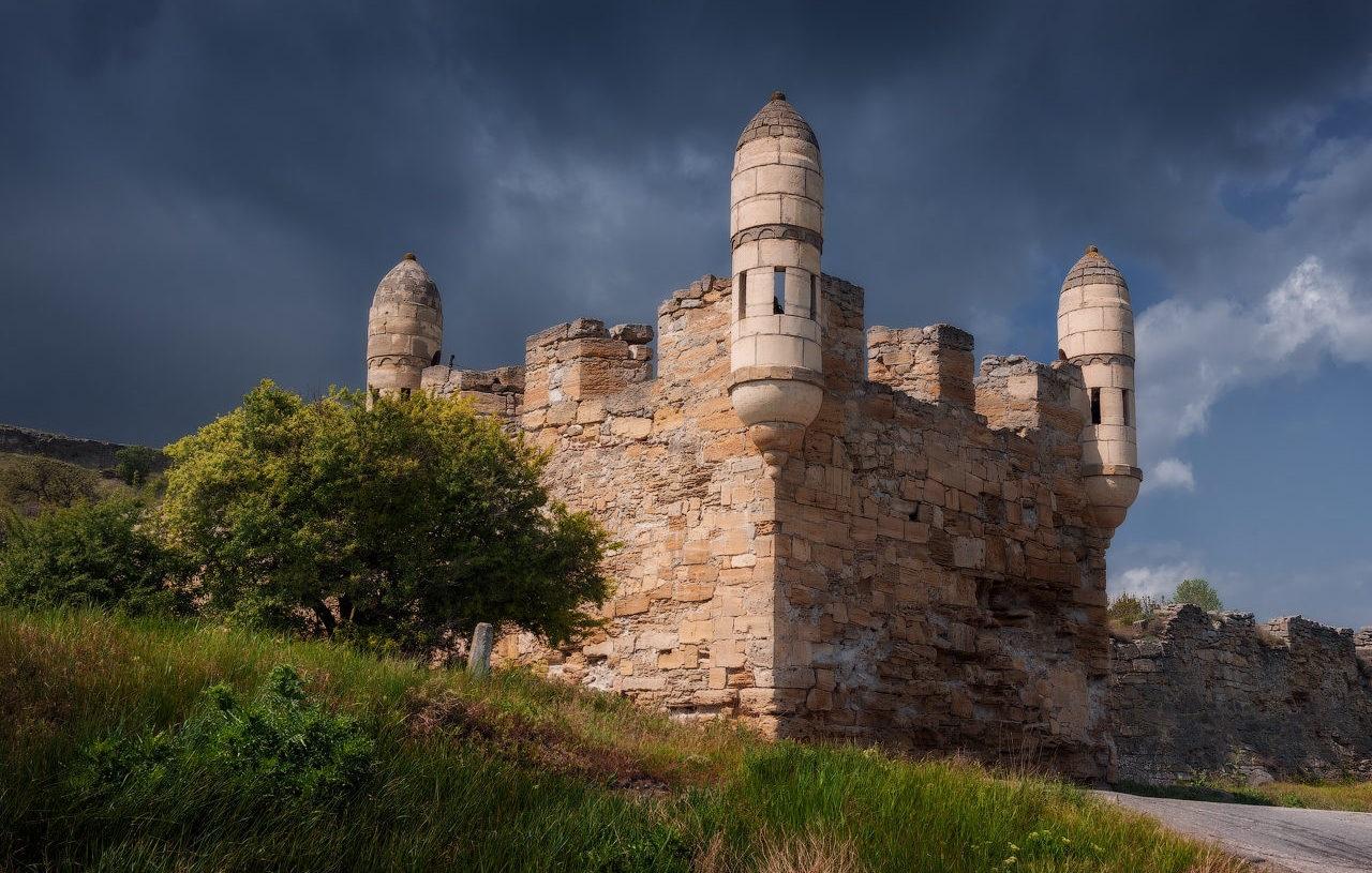 что вы увидите во время экскурсии на Крымский мост - Турецкая крепость Ени-Кале